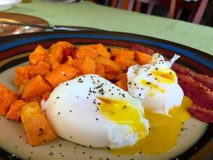 Poached eggs with Sweet Potato